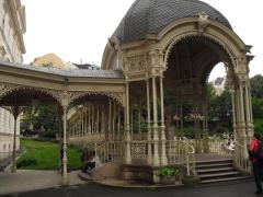 Auch die zahlreichen Jugenstil-Brunnen prägen das Stadtbild.