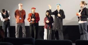 """Beth B (2. von rechts) präsentiert """"Exposed"""""""
